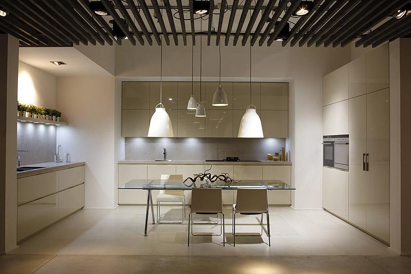 Gunni trentino abre un nuevo showroom en barcelona for Decoracion interiores barcelona