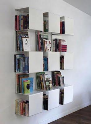 Libros en orden interiores minimalistas for Muebles para libros modernos