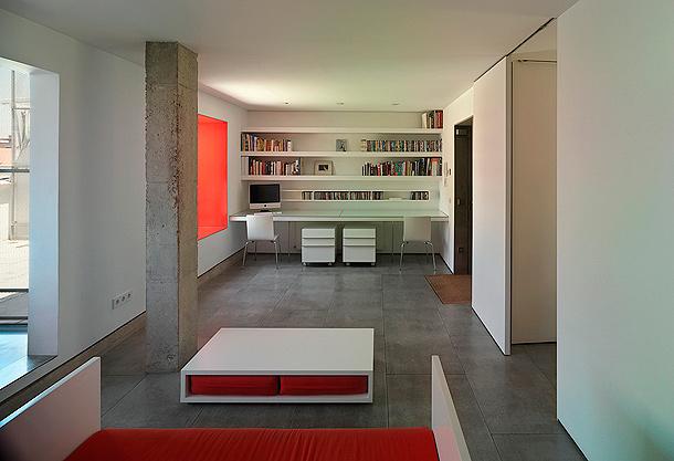 Una vivienda en cemento madera y blanco de estudio mariano - Casas de cemento y madera ...