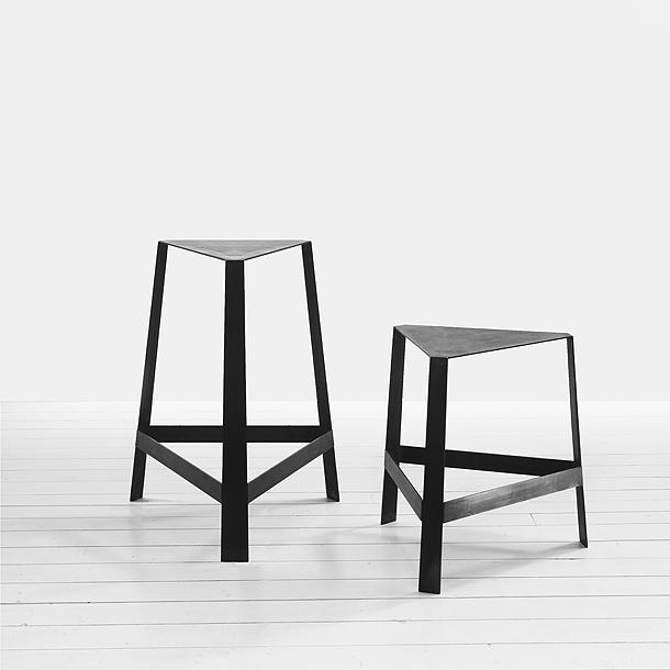 taburetes minimalistas de federico delrosso para firma