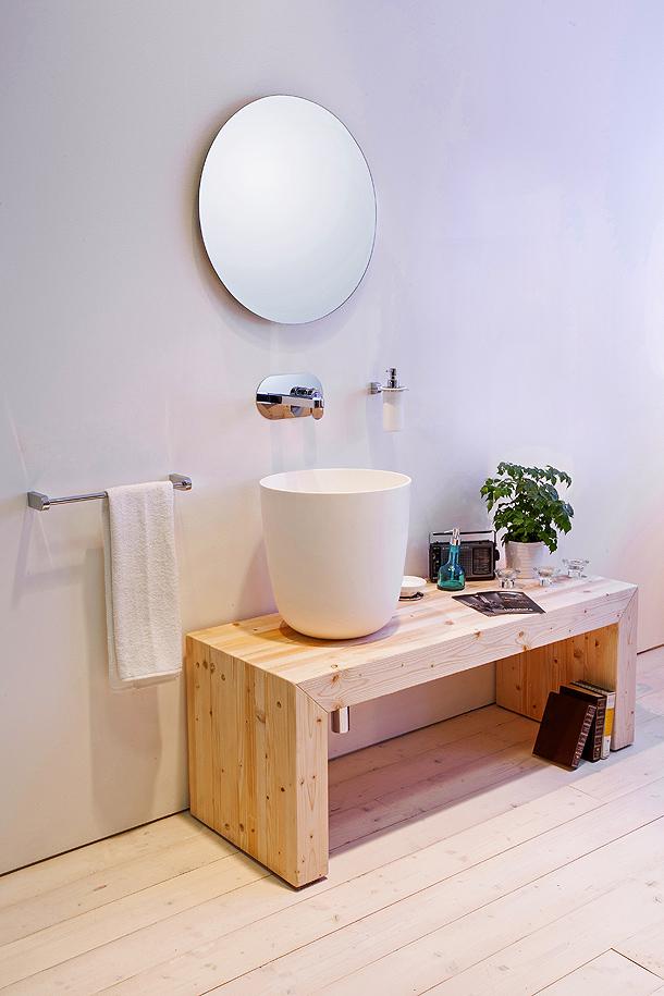 Colecci n de lavamanos momon de lineabeta para ba os for Revestimiento sintetico para banos