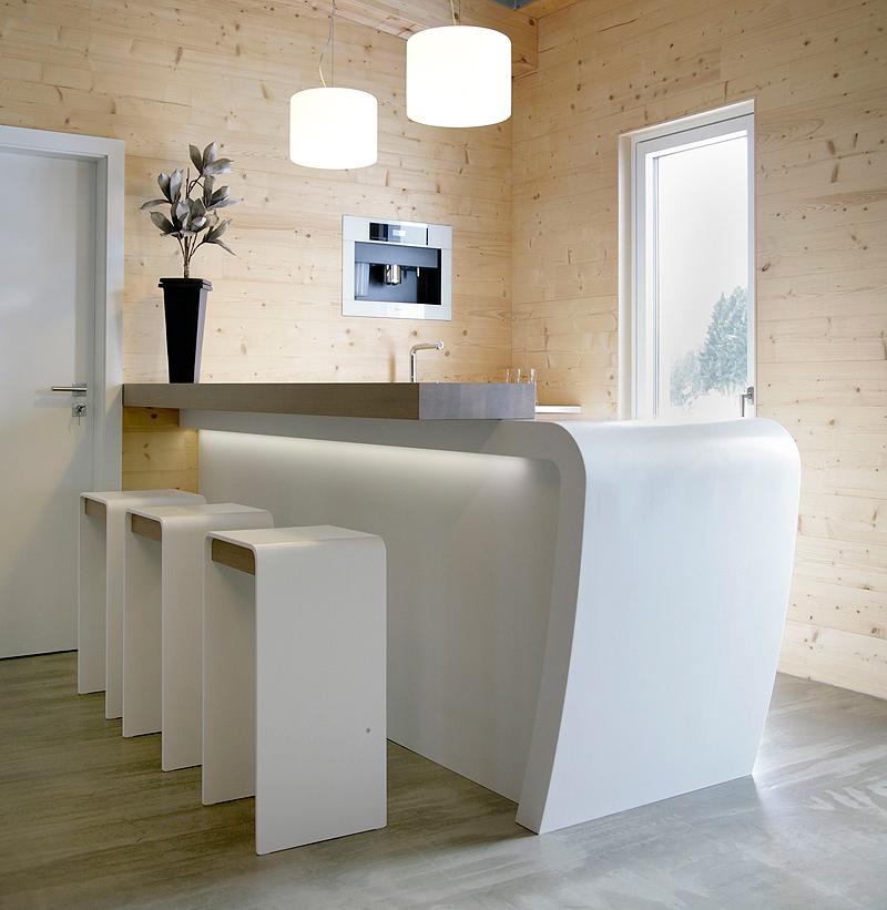 Una peque a y moderna cocina realizada en hi macs - Cocinas joaquin torres ...