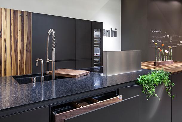 amini-corian-living-kitchen (12)