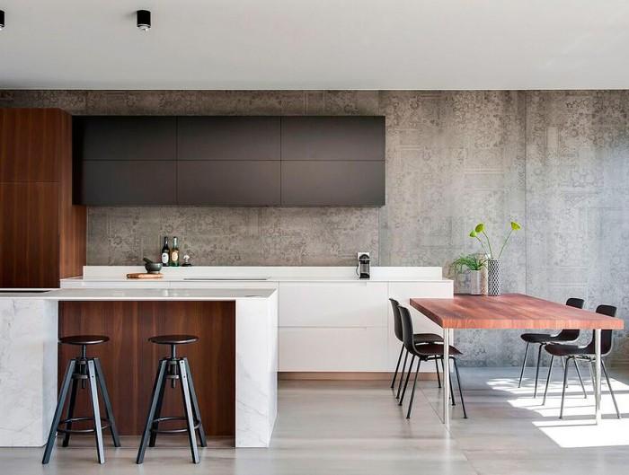 Cocina con oficina integrada, diseñada por el estudio Minosa Design