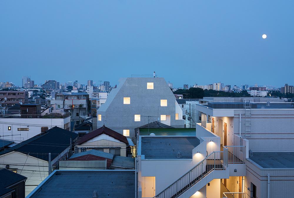 apartamentos-kitasenzoku-tomoyuki-kurokawa (14)