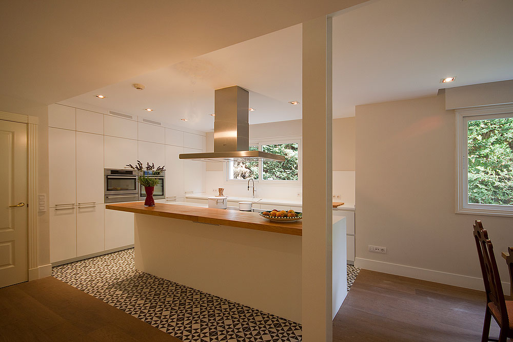 Cocina con alfombra de mosaico hidr ulico de santos brezo - Cocinas con mosaico ...