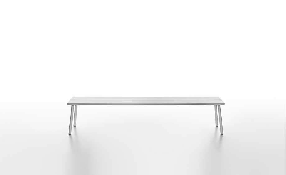 mesas-bancos-estanterias-run-industrial-facility-emeco (12)