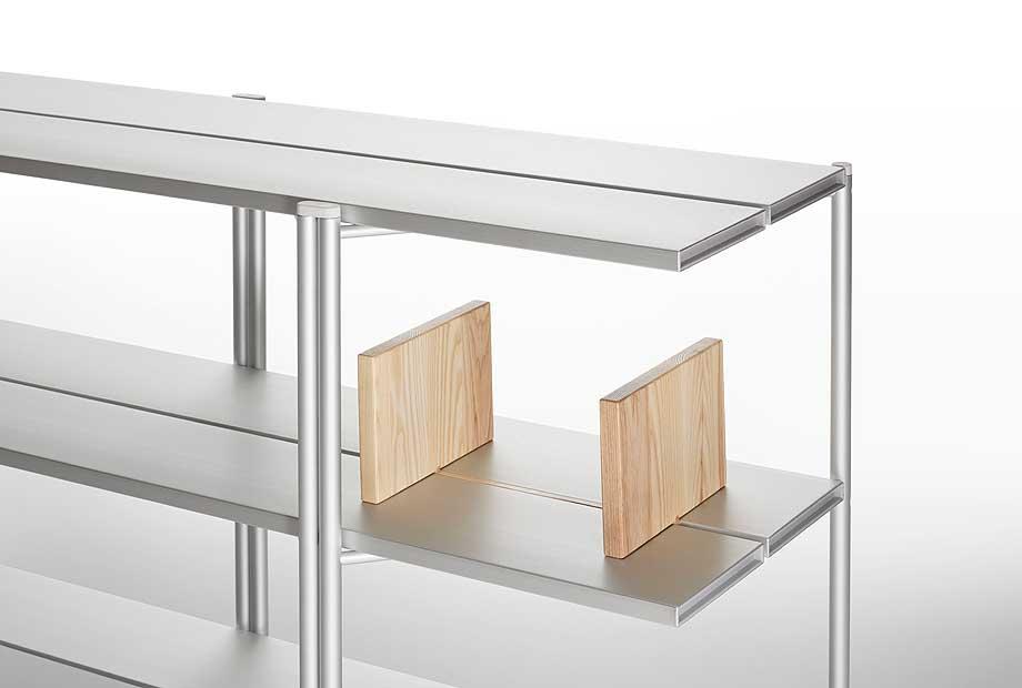 mesas-bancos-estanterias-run-industrial-facility-emeco (17)