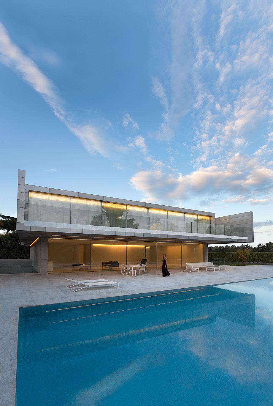 casa-aluminio-fran-silvestre-arquitectos (1)