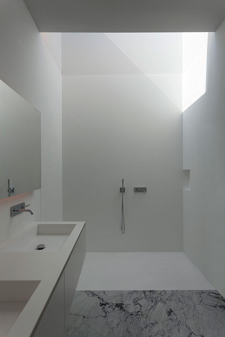 casa-aluminio-fran-silvestre-arquitectos (11)
