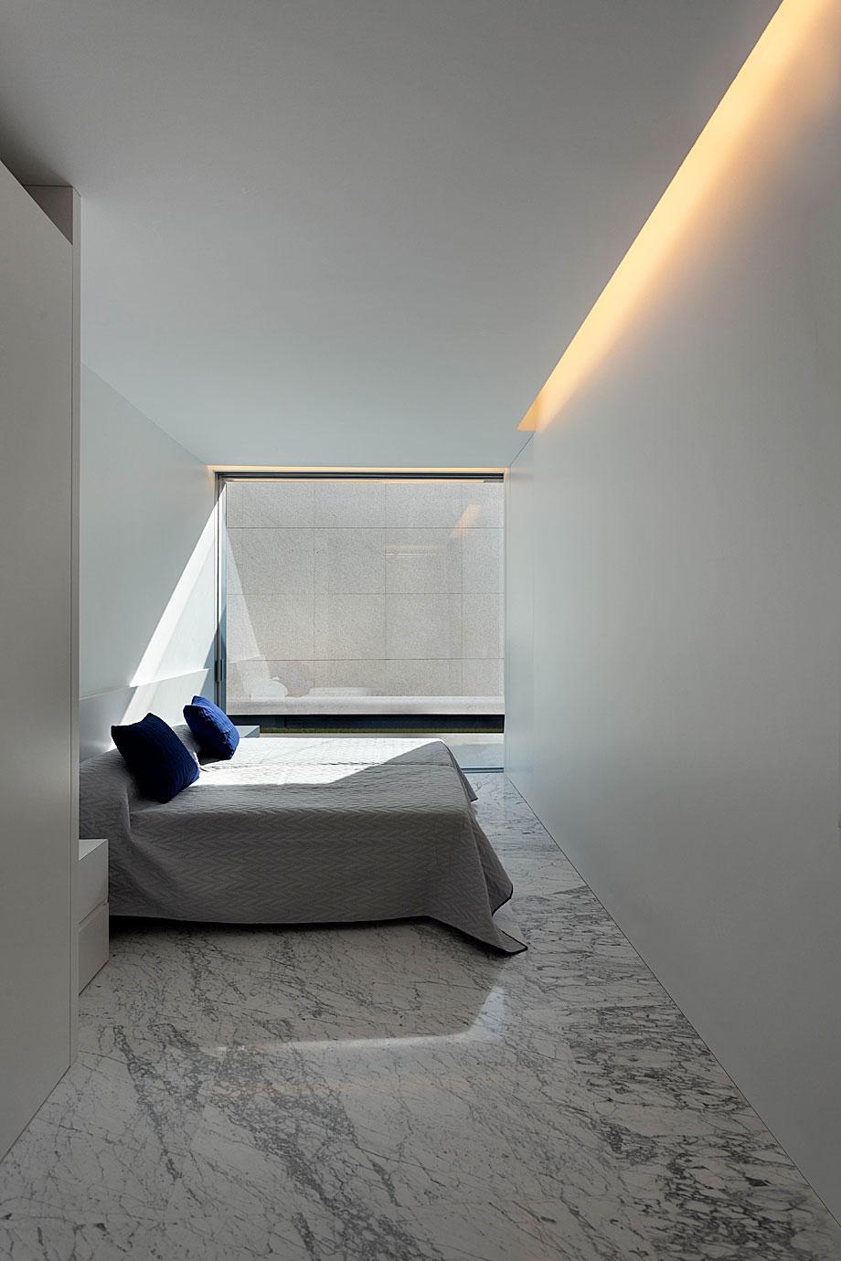 casa-aluminio-fran-silvestre-arquitectos (15)