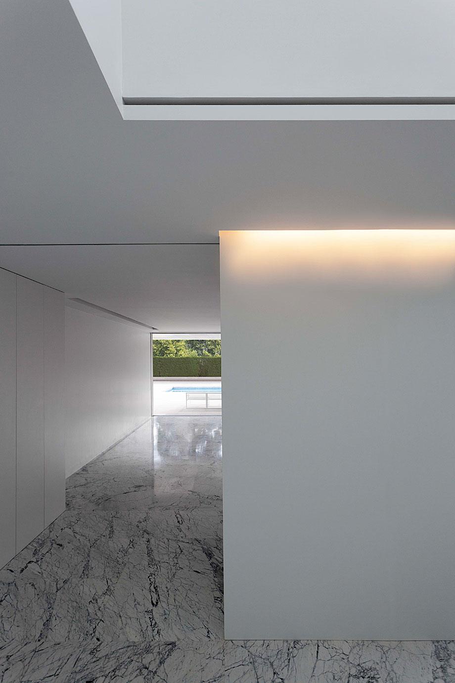 casa-aluminio-fran-silvestre-arquitectos (19)