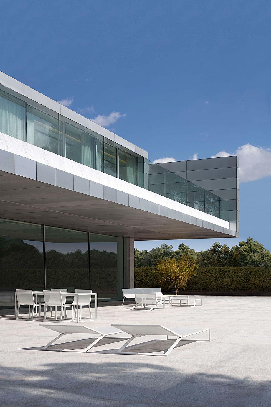 casa-aluminio-fran-silvestre-arquitectos (3)