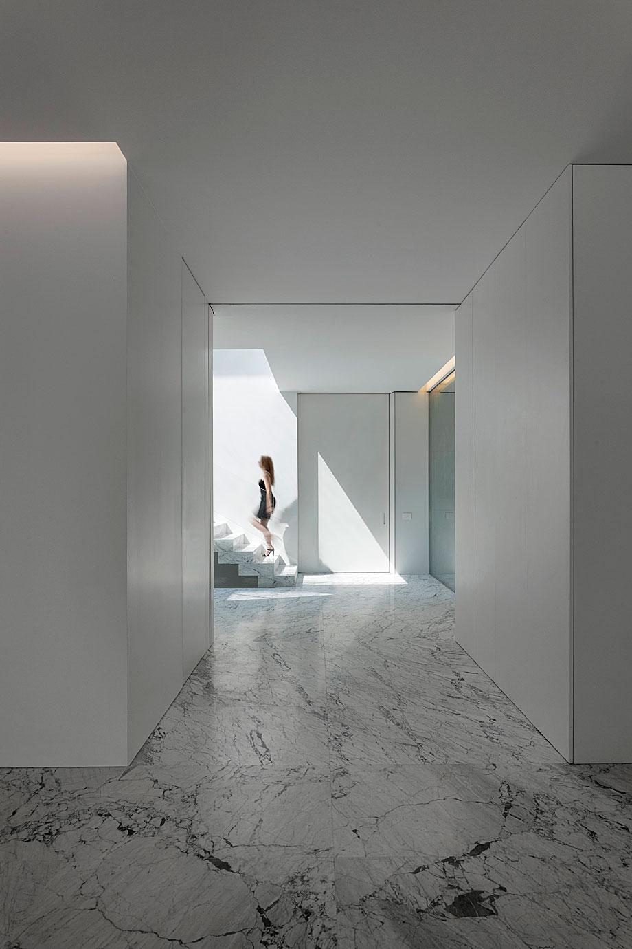 casa-aluminio-fran-silvestre-arquitectos (7)