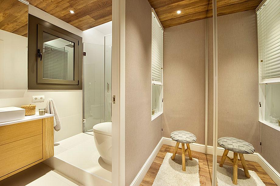 Suite for 10 en el Eixample barcelonés por Egue y Seta