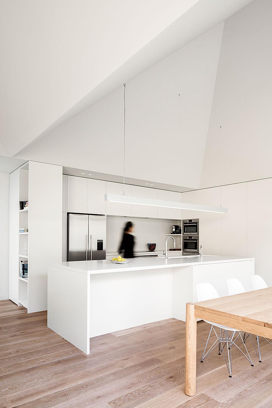 vivienda-ssk-robert-davidov-architectes (2)