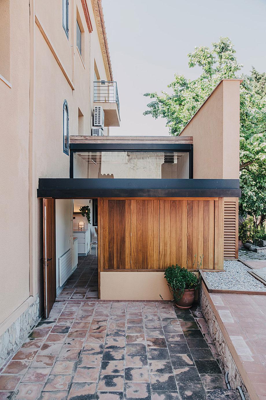mesura-architecture-sant-mori-ampliacion-girona-housing-project-spain-arquitectura-14