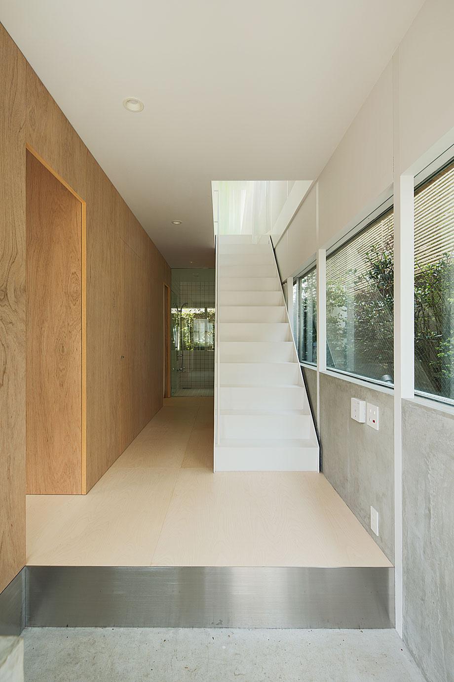 Con el jard n a la altura de los ojos de elding oscarson for Arquitectura interior