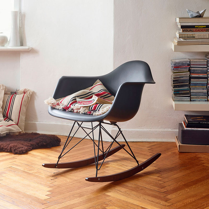 domestico-shop-vitra-rar-eames-rocking-chair