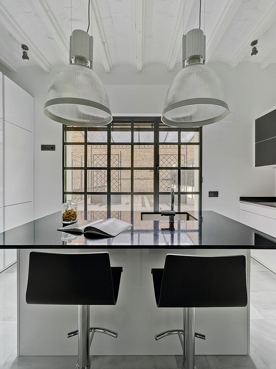 Cocina minimalista en blanco y negro de drocrys y santos - Docrys cocinas ...