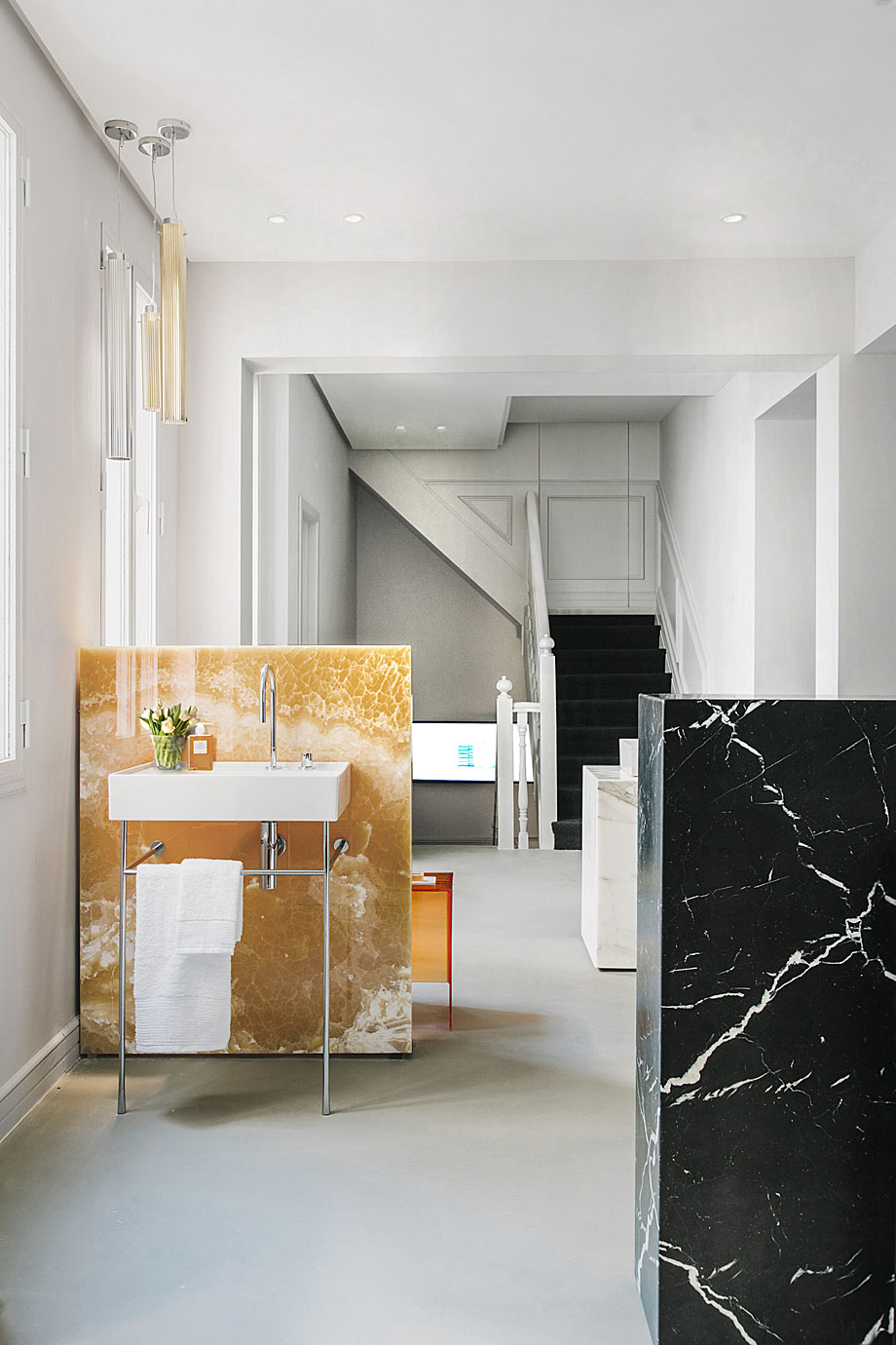 laufen-showroom-baños-madrid-patricia-urquiola (8)