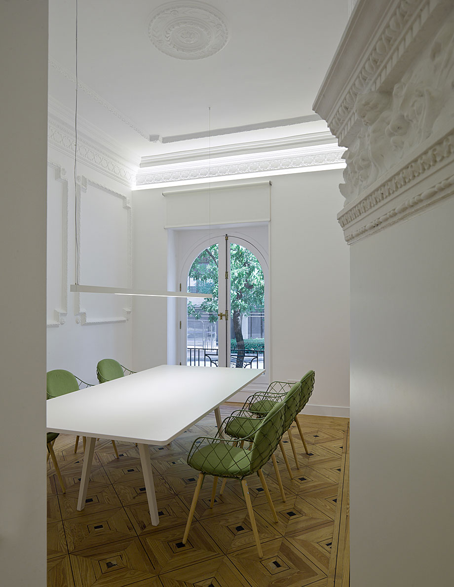 oficinas-ed-abaton-arquitectura-batavia (1)