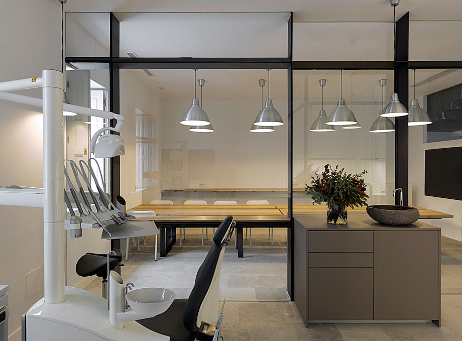 gonzalez+solano-atelier-dental-abaton (15)