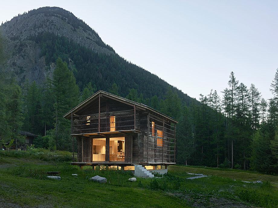 reforma de una casa en la montaña savioz fabrizzi (9)