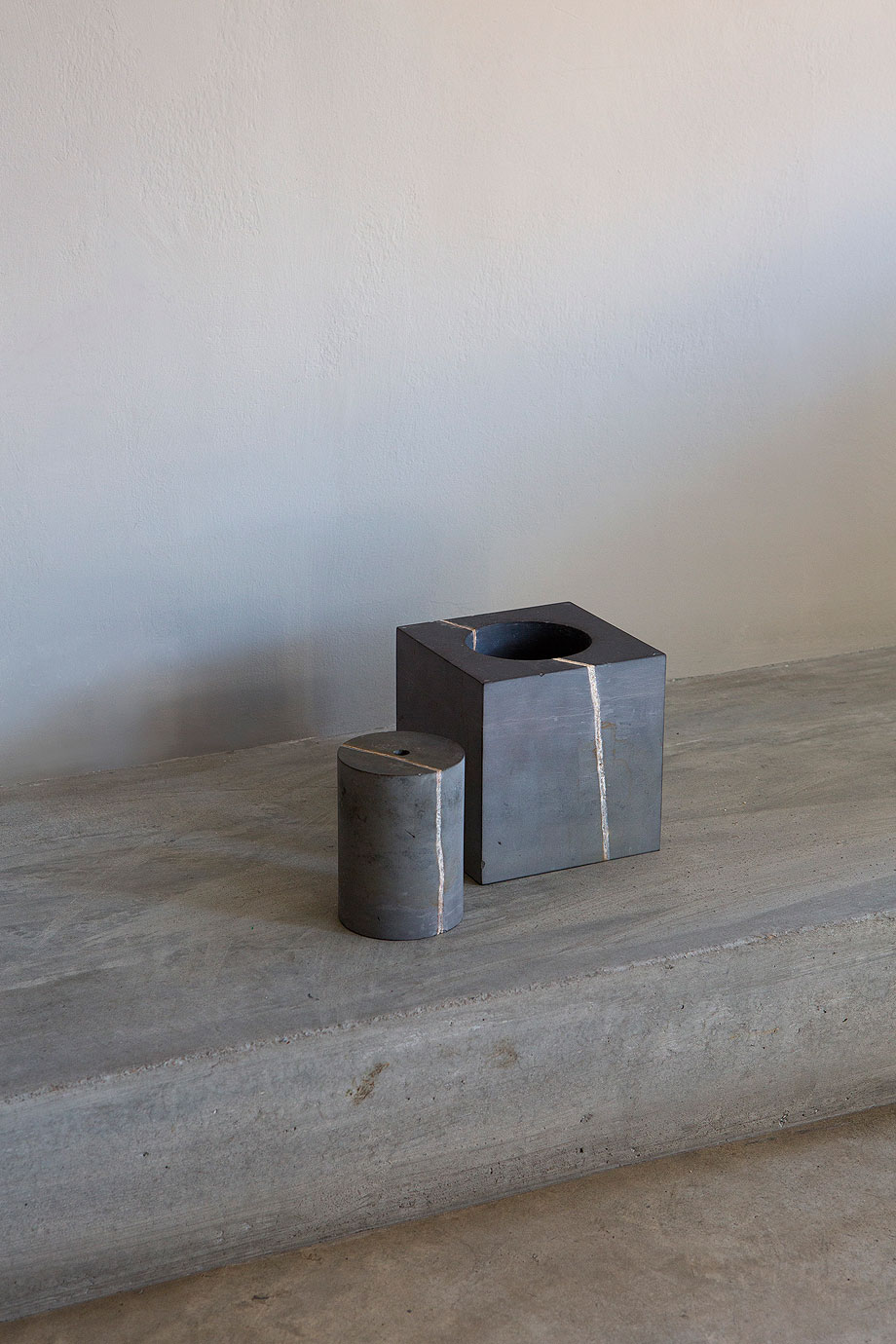 block-jarrones-andrew-trotter-jean-briac-ravello-design-marmol (8)