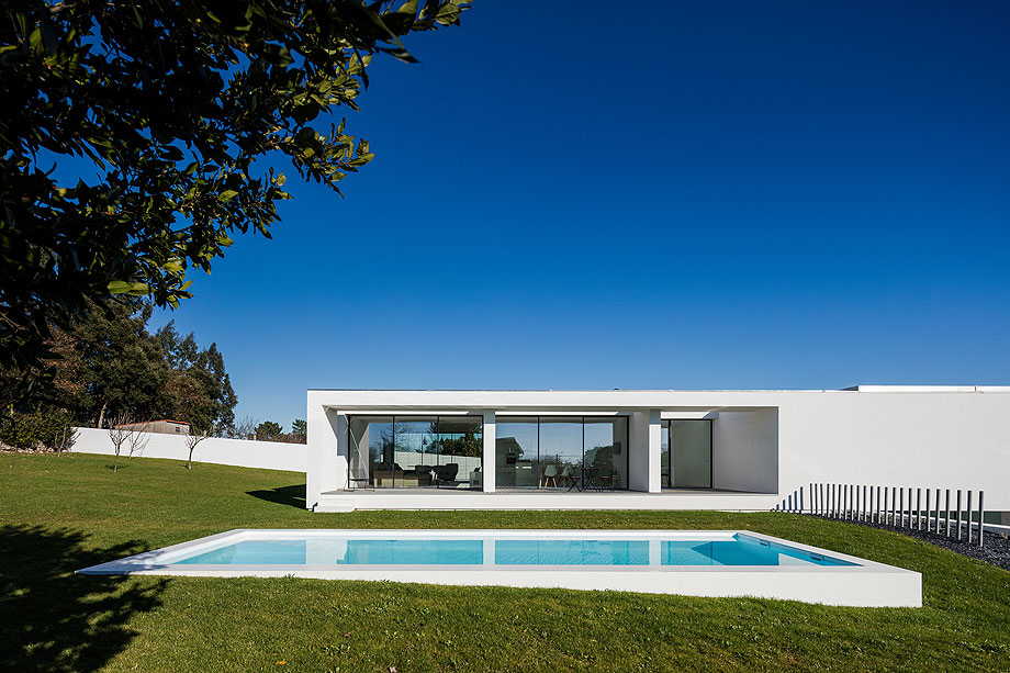 casa-touguinho-III-raulino-silva-arquitecto (14)