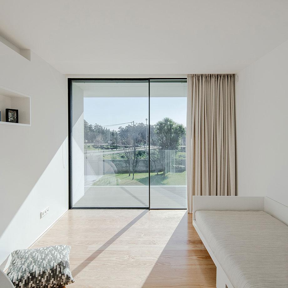 casa-touguinho-III-raulino-silva-arquitecto (7)