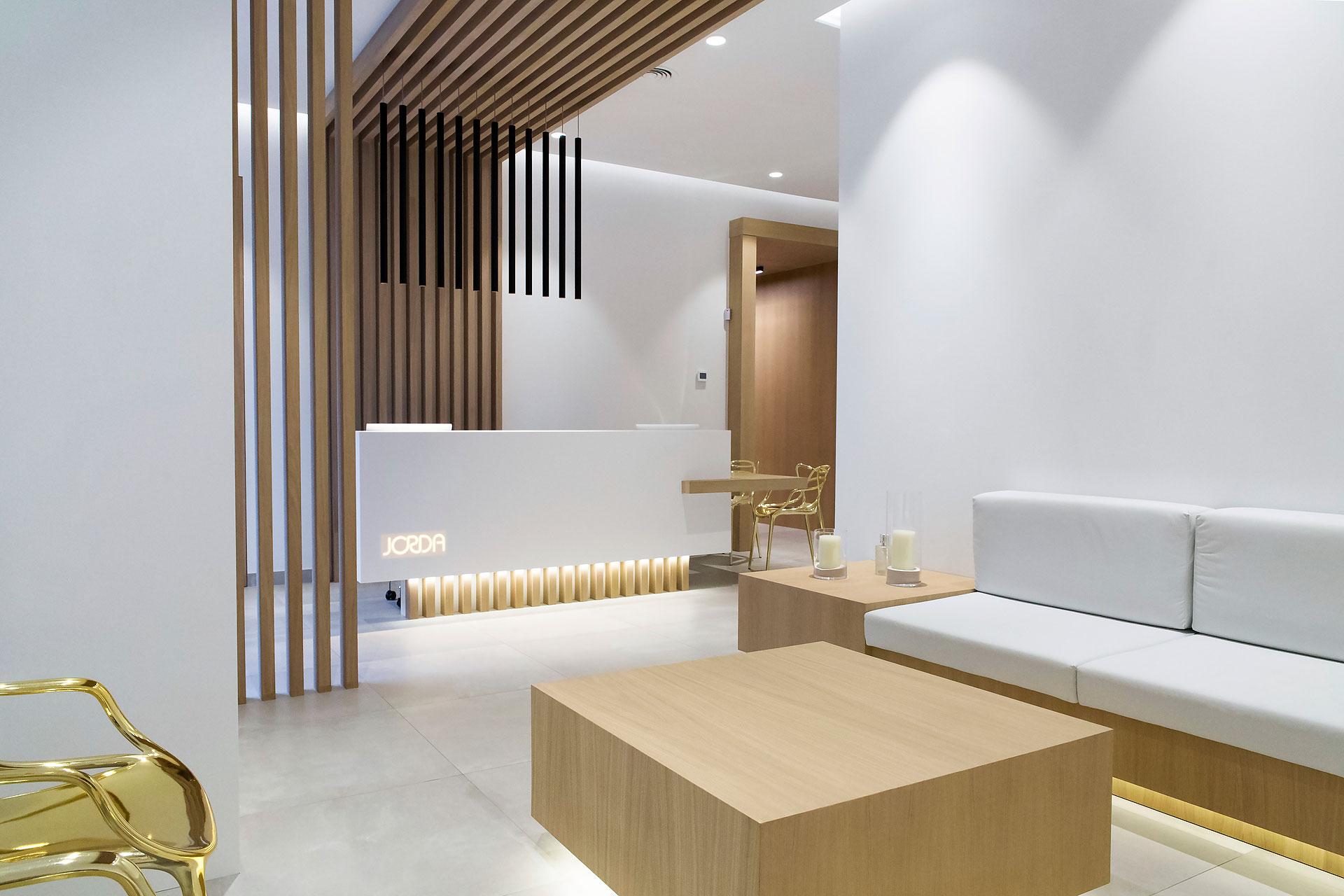 Cl nica odontol gica dise ada por bano arquitectura interior for Programas 3d interiorismo