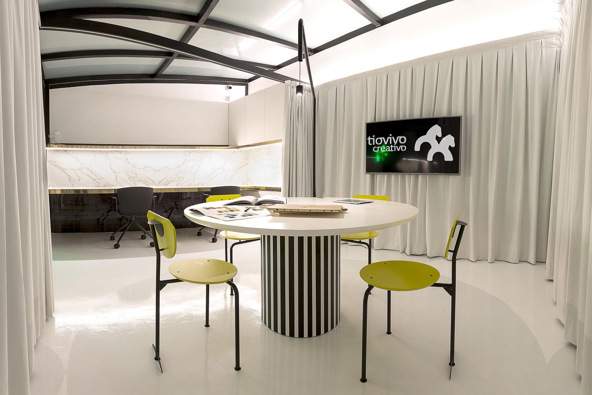 El estudio tiovivo creativo estrena oficinas y coworking for Oficinas de padron valencia