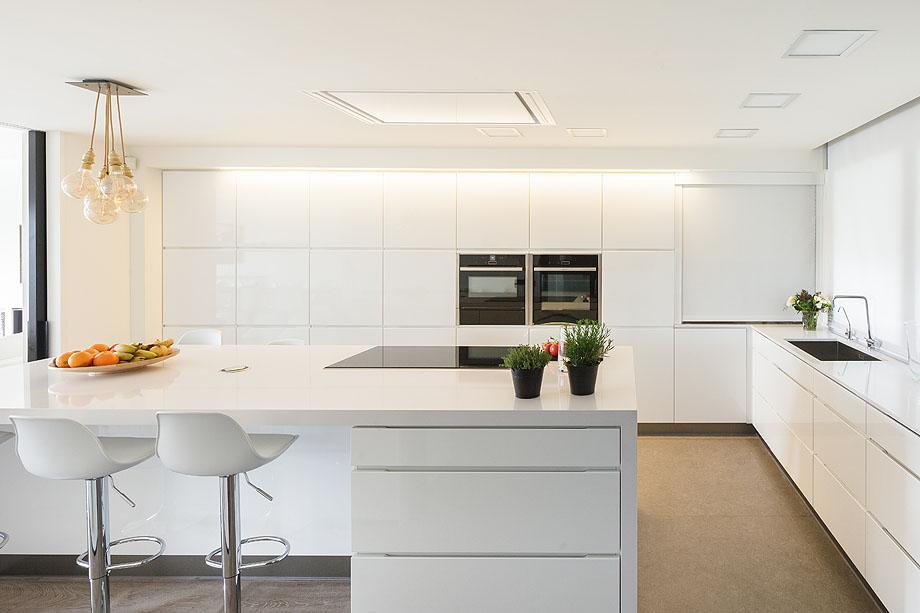 Coblonal interiorismo distribuye un piso a trav s de m dulos for Tecnicas modernas de cocina