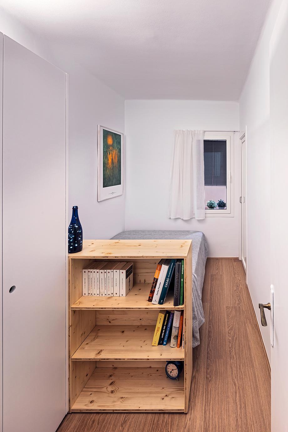 vivienda de alquiler diseño low cost agusti costa (12)