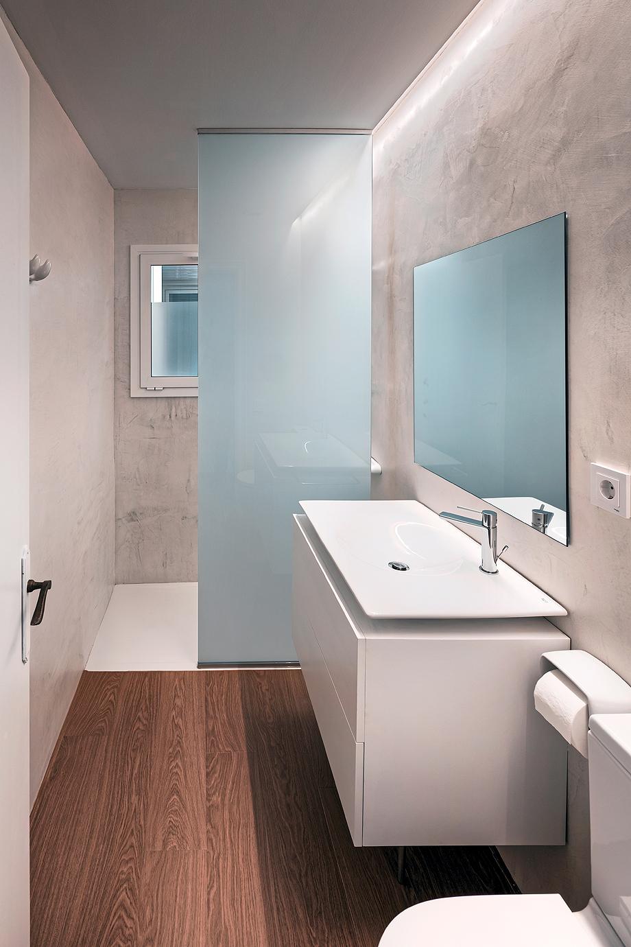 vivienda de alquiler diseño low cost agusti costa (13)