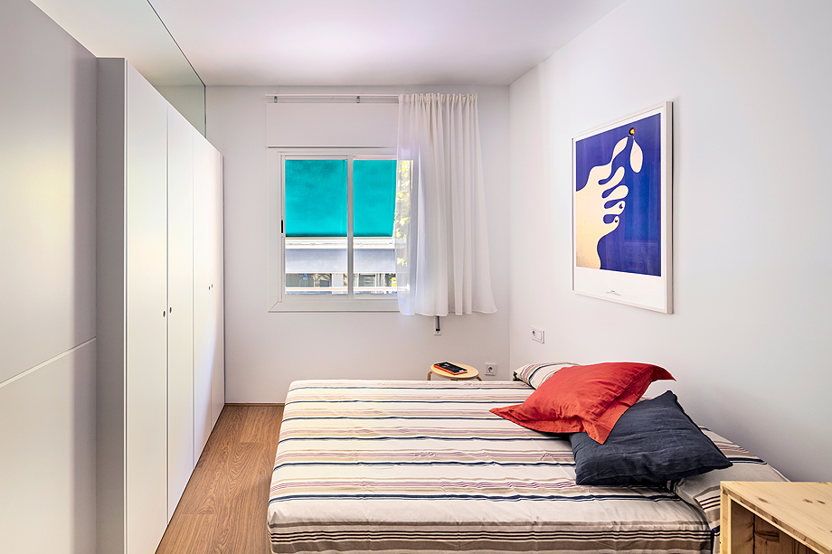 vivienda de alquiler diseño low cost agusti costa (15)