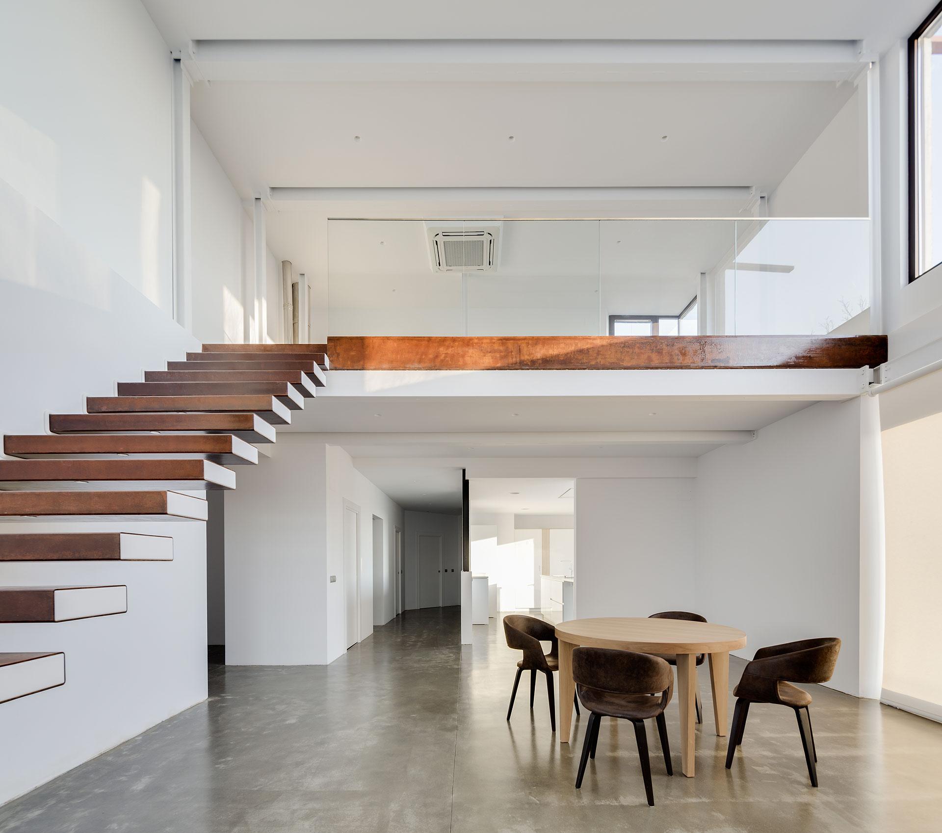 Una casa orienta al sol del arquitecto Marcos Miguélez