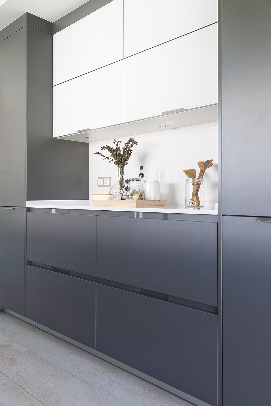 Una Cocina Abierta Al Jard N Por Santiago Interiores # Muebles Pombo A Coruna