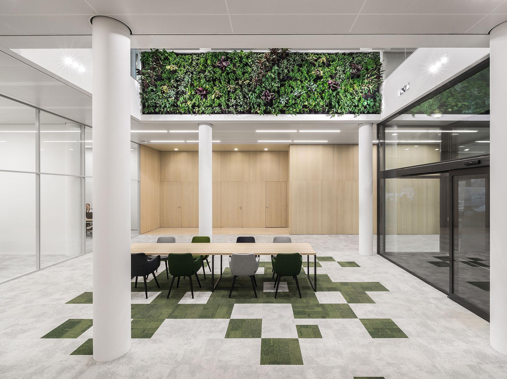 Oficinas En Blanco Y Fieltro Por I29 L Interior Architects # Muebles Celso Ubeda