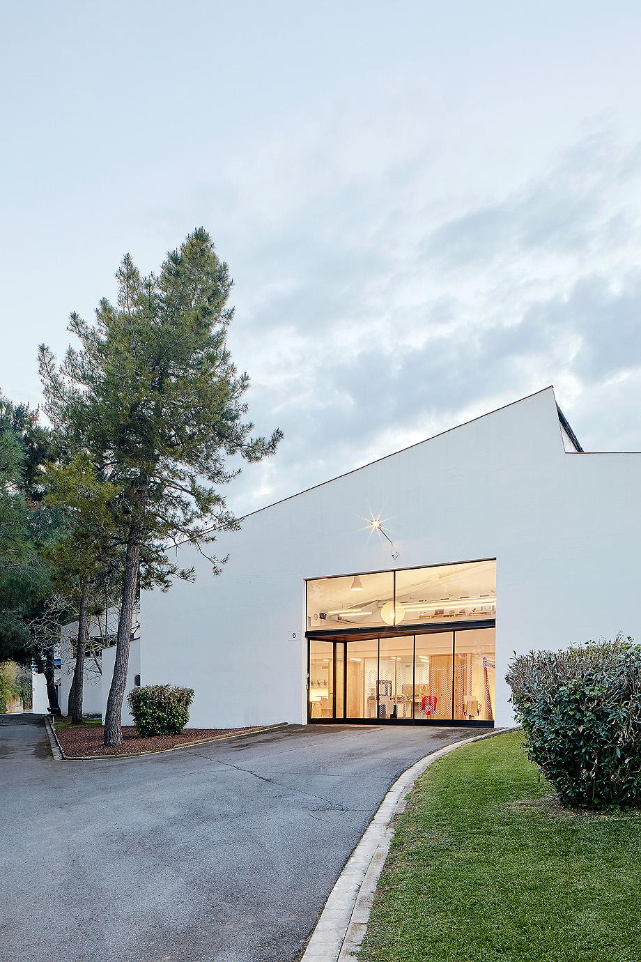 design center figueres por miriam castells studio (1)