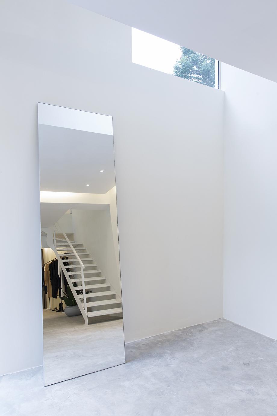 showroom egrey de mnma studio (5)