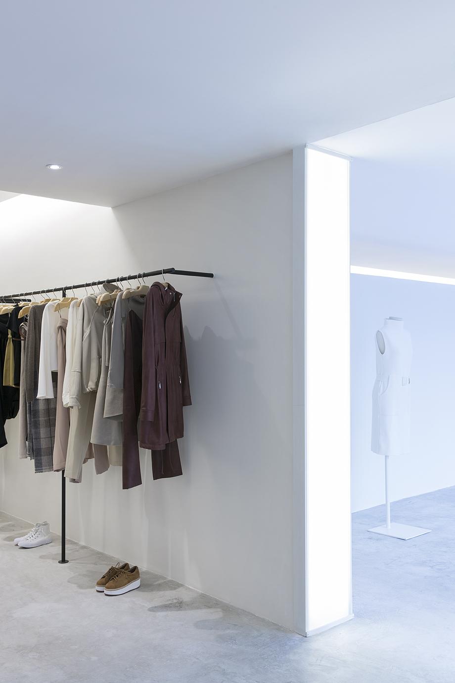showroom egrey de mnma studio (7)