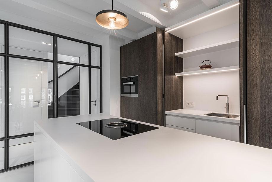 apartamento en amsterdam de guillem benoit con hi-macs (4)