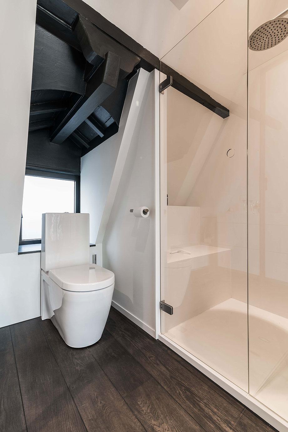 apartamento en amsterdam de guillem benoit con hi-macs (7)