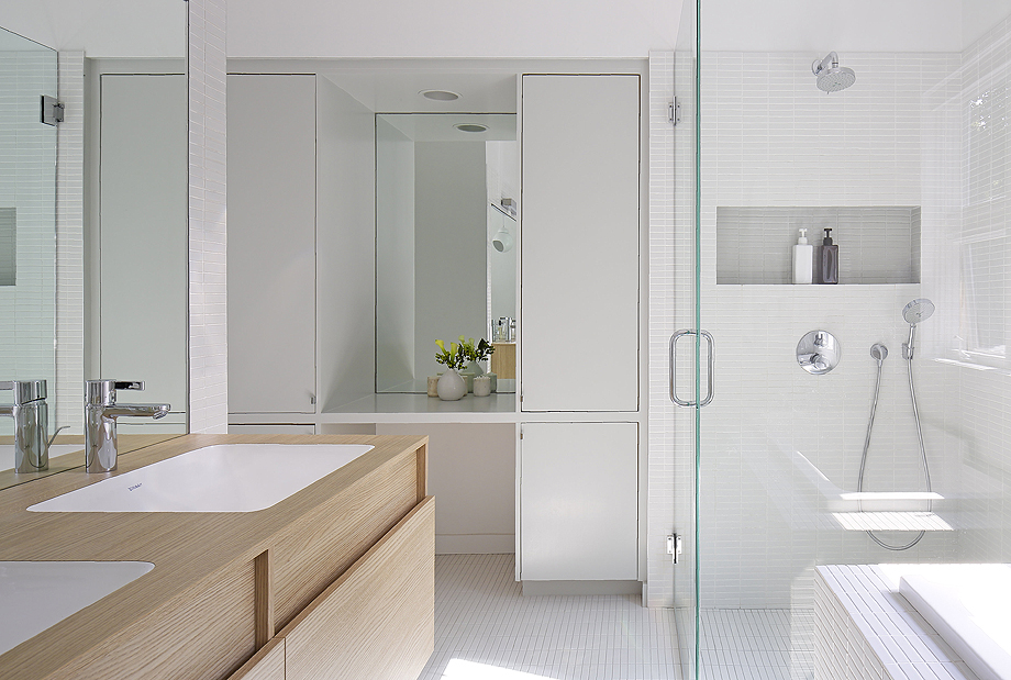 Nous Studio bathrooms