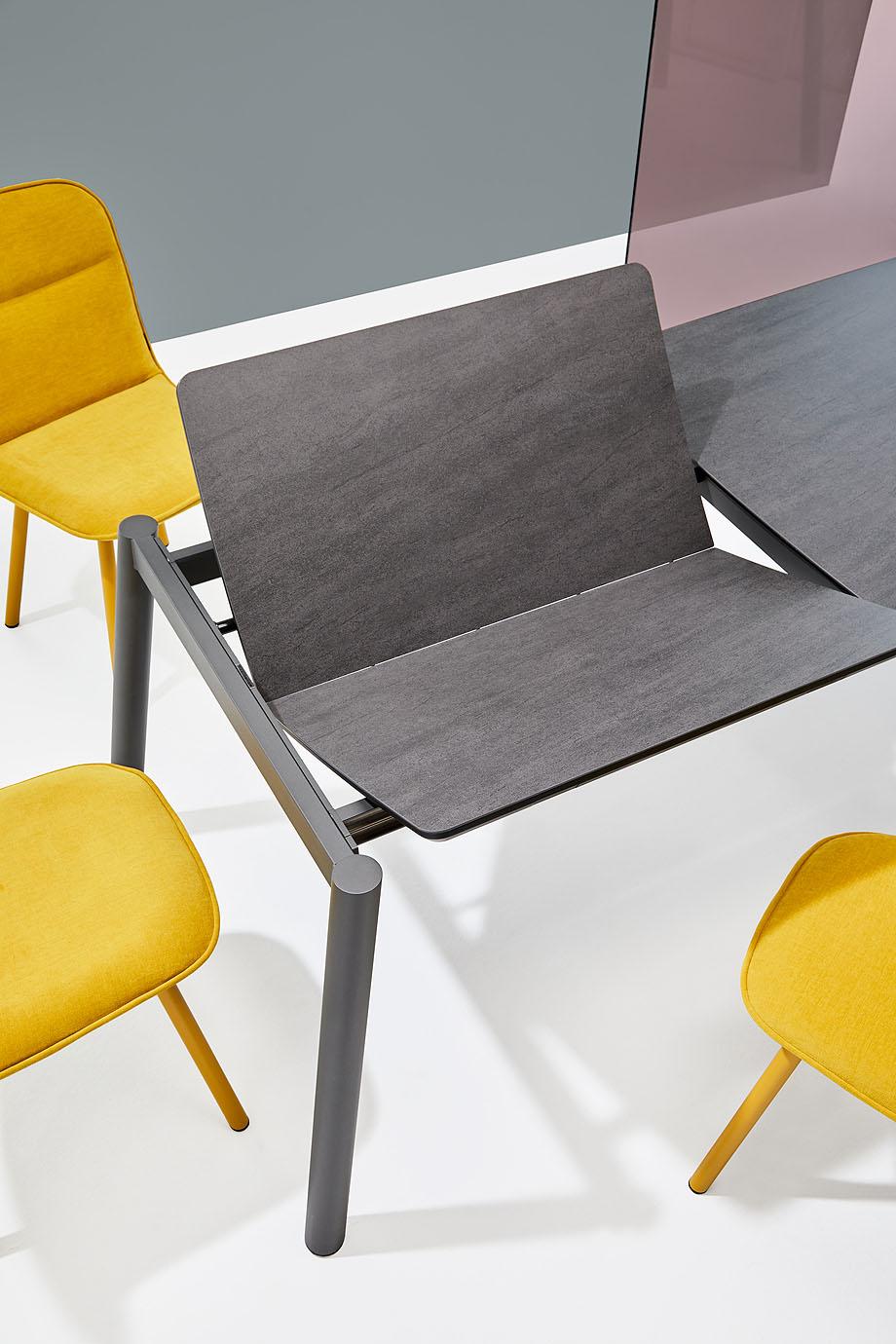 koln-yonoh-mobliberica-seating-mesa-table-comfort (4)