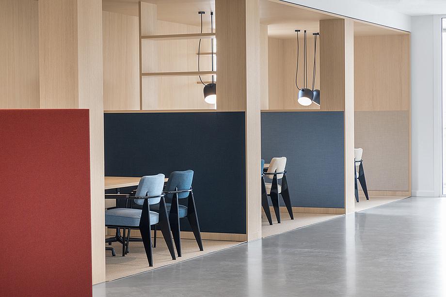 vestibulo, area de reunion y restaurante para BKR de i29 interior architects (6)
