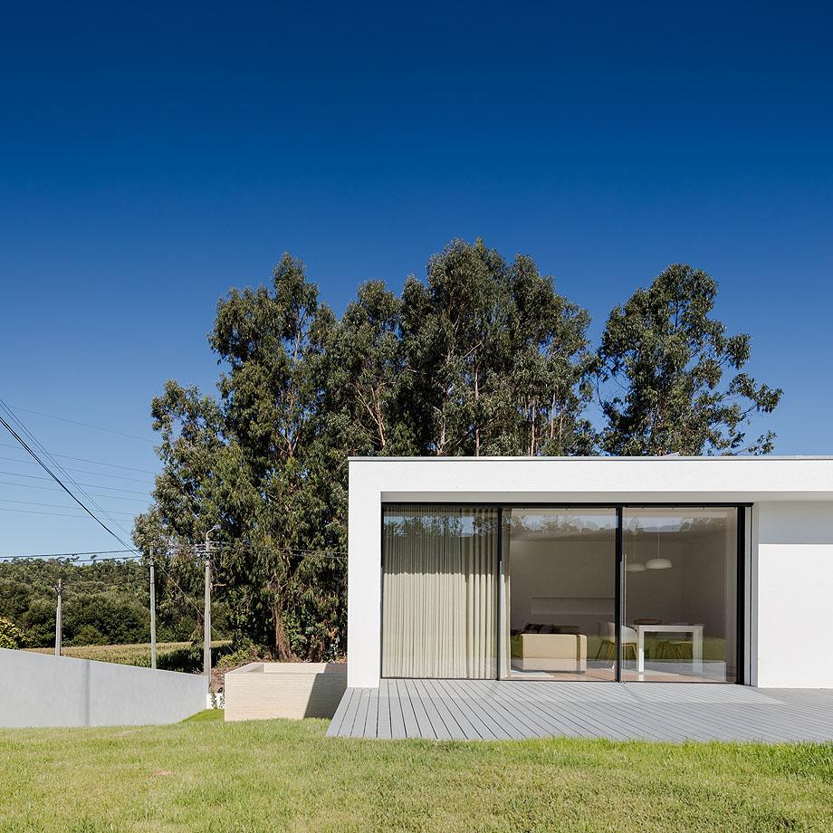 Casa Touguinha - Raulino Arquitecto (12)