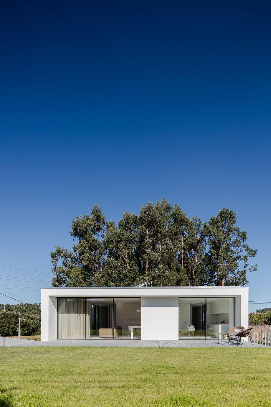 Casa Touguinha - Raulino Arquitecto (13)